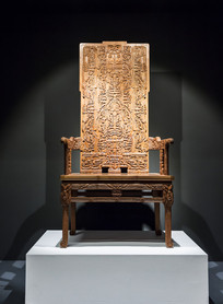 虎纹雕刻木椅