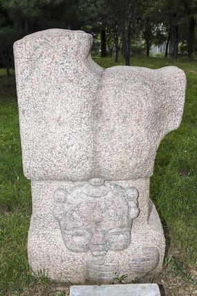 快乐的福娃雕塑