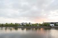 夕阳下的江南城