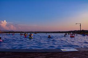度假酒店游泳池