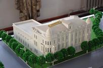 梅耶洛维奇大楼模型