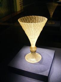 16世纪意大利白玻璃丝高脚酒杯