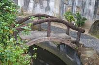公园里的小桥