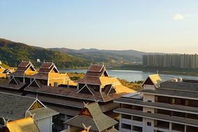 澜沧江畔的景洪傣族风格建筑