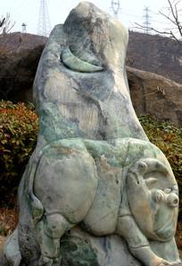 玉雕犀牛望月图片