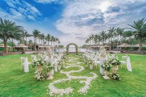 白色婚礼现场布置
