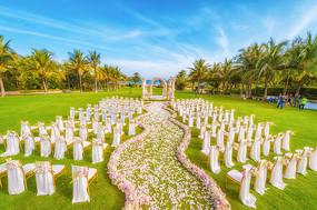 花卉草坪婚礼设计