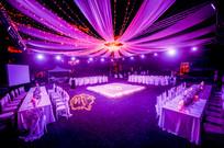 婚礼灯光舞台布置