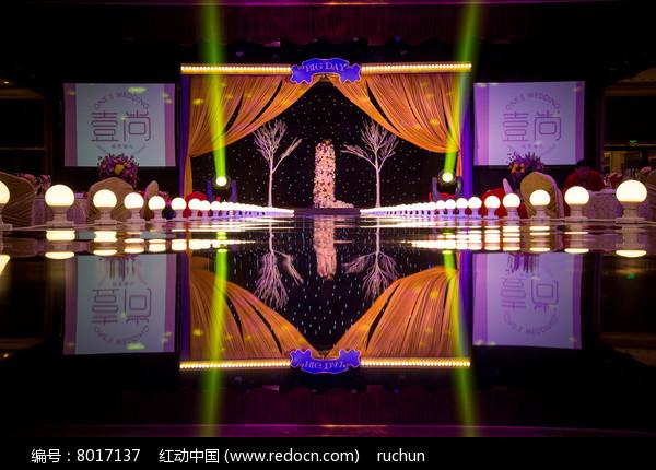 婚庆舞台灯光布置图片