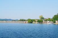水坝上的风景