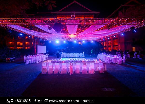 新婚灯光舞台布置图片