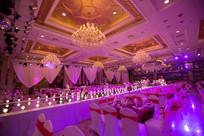 紫色新婚宴席