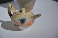国外陶瓷作品昆虫壶