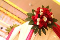 花房顶上的玫瑰花球