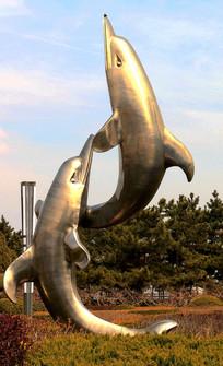 铜雕海豚高清图片
