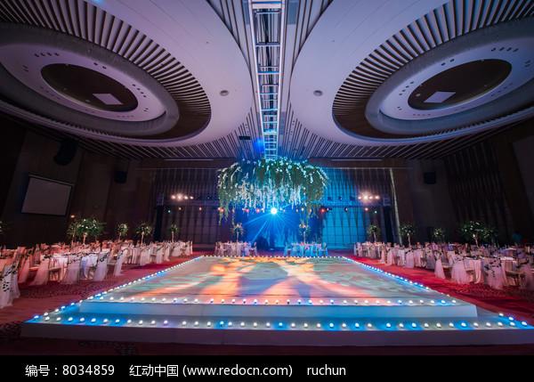 舞台婚礼布置图片