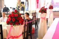 婚礼T太上的鲜花路引