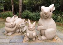 兔子一家雕塑