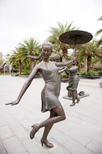 广场舞跳舞女性雕塑