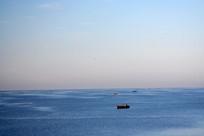 湖上的渔船风景
