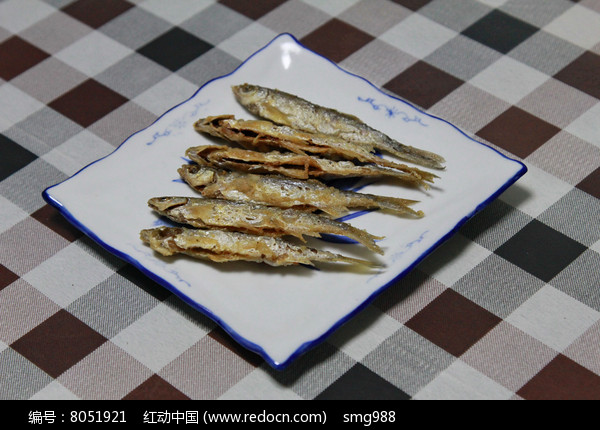 家常菜油炸小鱼图片