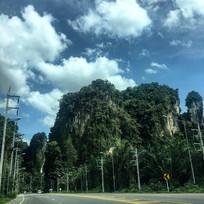 蓝天白云山峰山脉公路泰国高清风景风光摄影图片