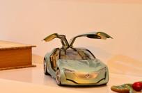 一辆汽车模型