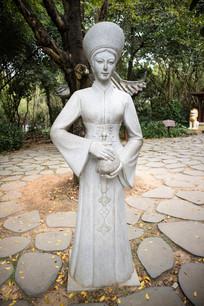 越南民族女性雕塑