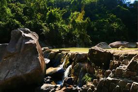 高清峡谷瀑布湖泊摄影