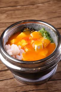 金瓜汁煮嫩豆腐