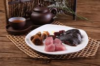 松茸菌冬菇炖乌鸡