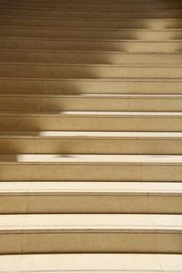 阳光下的台阶素材