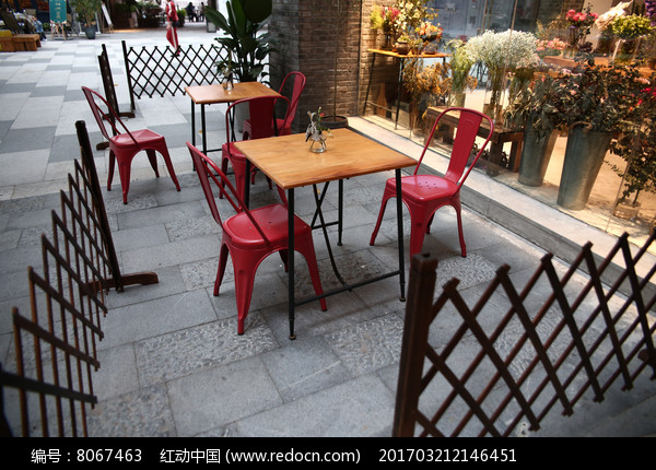 红色座椅图片