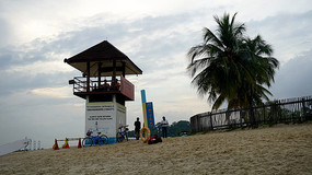 沙滩上的瞭望台