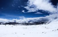 旅途中的六月雪山