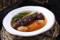 鲜松茸炖辽参