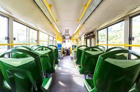公交车内部