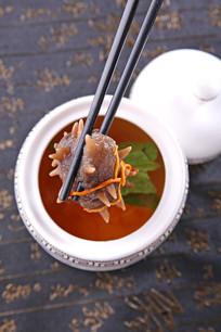 清鸡汤炖辽参