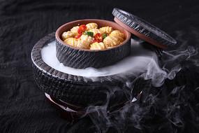 石磨豆腐酿鲜鲍