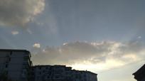 天空上的阳光图片