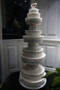 四层白色蛋糕模型