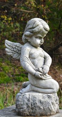 雕像小天使