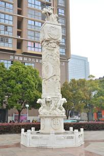 雕塑十二生肖石柱猴