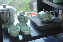 花纹青瓷茶具