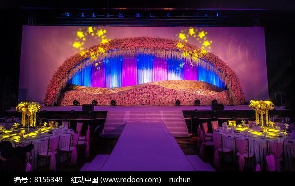 新婚舞台图片