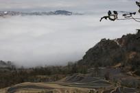 云海中的村落