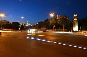 傍晚的马路