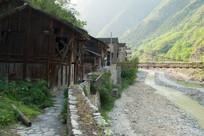 深山峡谷中的重庆巫溪宁厂古镇