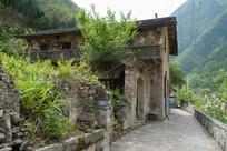 重庆巫溪宁厂古镇破损的老建筑