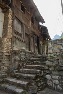 重庆巫溪宁厂古镇小路上的石阶